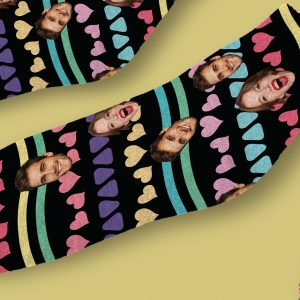 גרביים דגם אהבה צבעונית